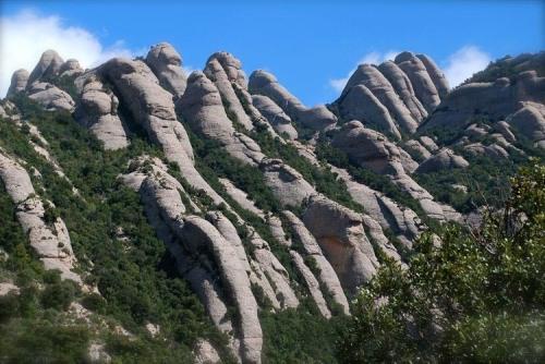 The 1200 m Montserrat mountains in Catalonia, NE Spain (credit: Xavier Varela)
